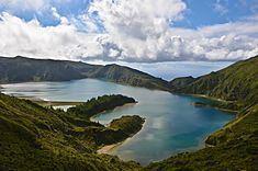 Lagoa do Fogo httpsuploadwikimediaorgwikipediacommonsthu