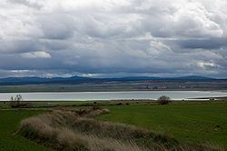 Laguna de Gallocanta httpsuploadwikimediaorgwikipediacommonsthu
