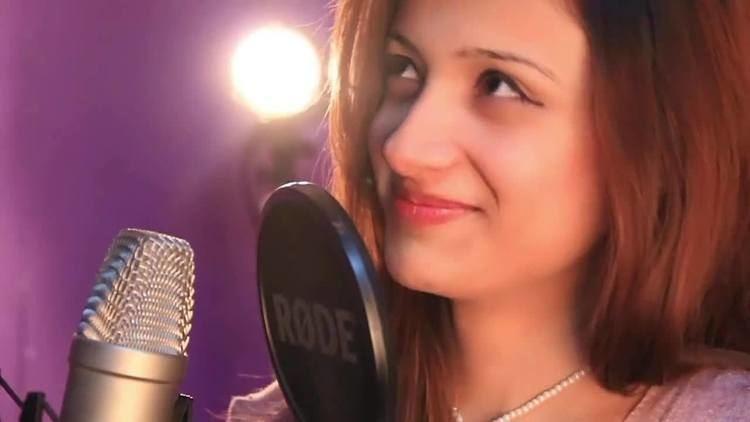 Laila Khan (singer) Pashto New Singer Laila Khan First Song quot Za Laila Yama quot Watch or