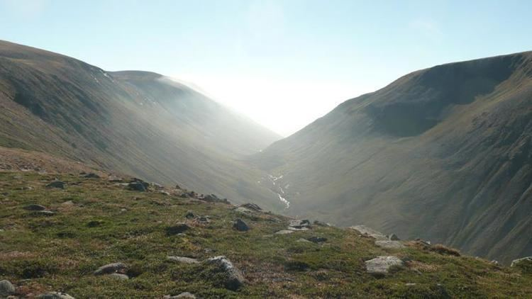 Lairig Ghru walk the Lairig Ghru with the help of Scot Mountain Holidays