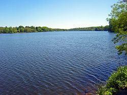 Lake Carmel (New York) httpsuploadwikimediaorgwikipediacommonsthu