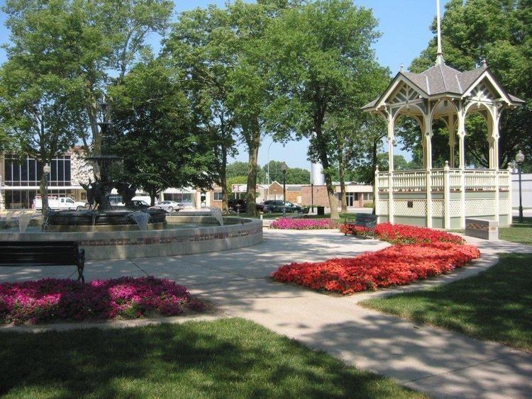 Lake City, Iowa m1288sgdedcomlakecityincludesimagesbussines