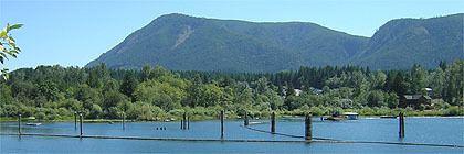 Lake Cowichan wwwexplorevancouverislandcomimagesLakeCowicha