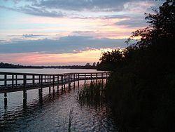 Lake Gibson httpsuploadwikimediaorgwikipediaenthumb4
