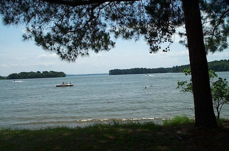 Lake Livingston httpsuploadwikimediaorgwikipediacommonsee