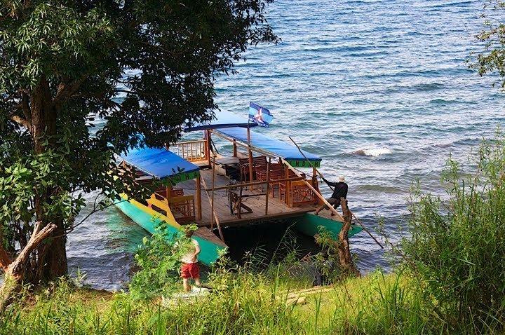 Lake Matano wwwdumneduskatsevIMG5619jpg