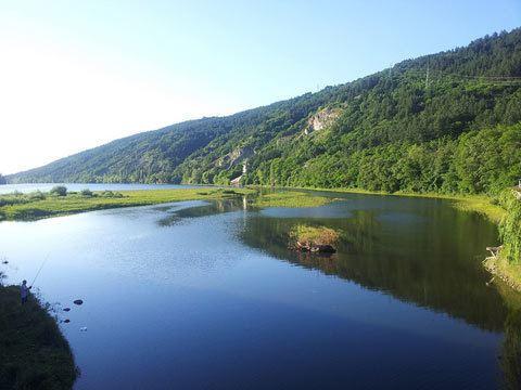 Lake Pancharevo wwwsofiaguidecomassetspancharevolakeviewjpg
