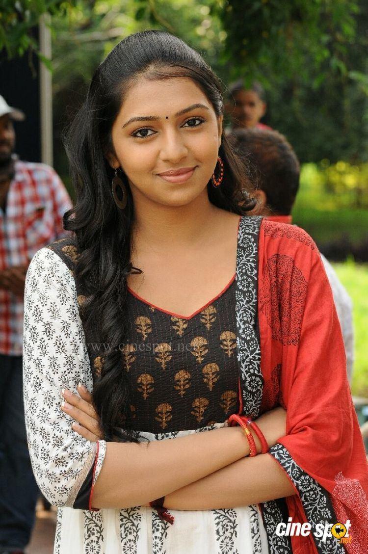 Lakshmi Menon (actress) LakshmiMenoninManjapaiPhotos1JPG
