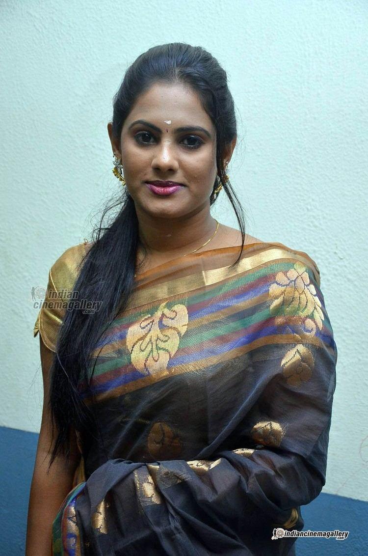 Lakshmi Priyaa Chandramouli Lakshmi Priya Lakshmi Priyaa Chandramouli at Alandur Fine Arts
