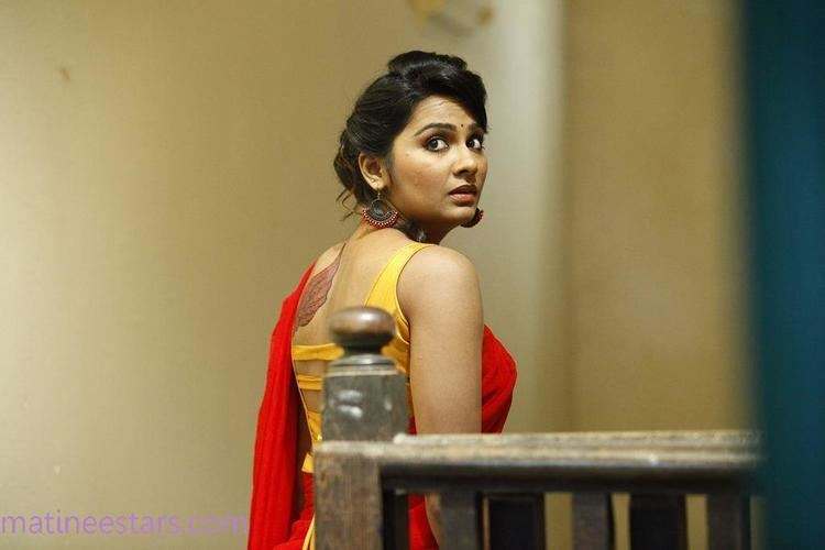 Lakshmi Priyaa Chandramouli Lakshmi Priyaa Chandramouli In Kallappadam Movie Actress