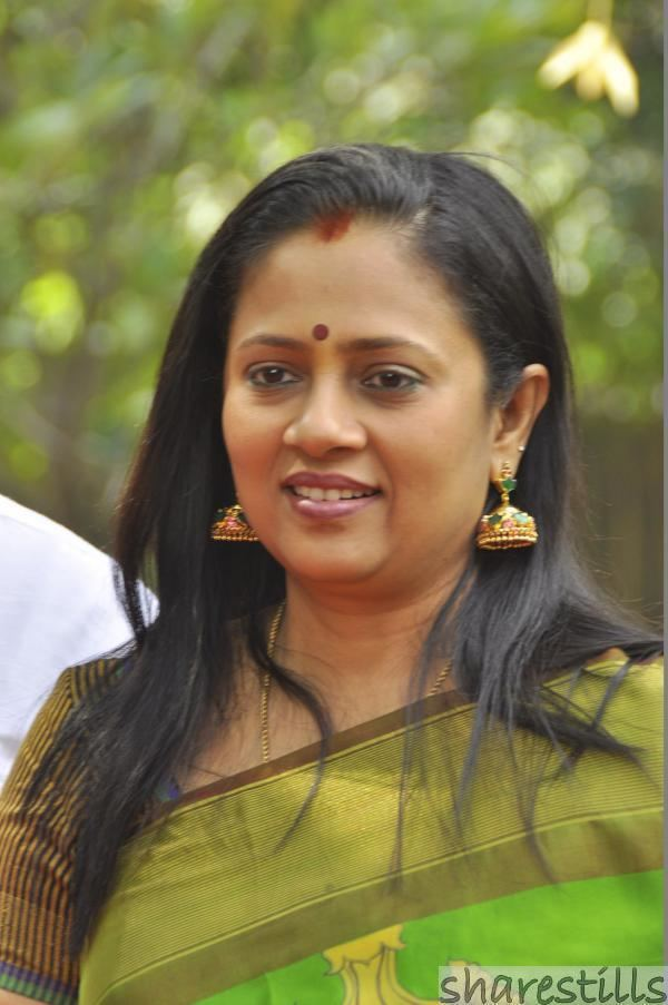 Lakshmy Ramakrishnan Lakshmi Ramakrishnan Biography and Photo Gallery Sharestills