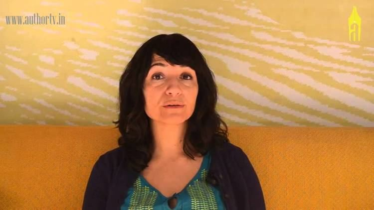 Laleh Khadivi Laleh Khadivi on THE WALKING YouTube