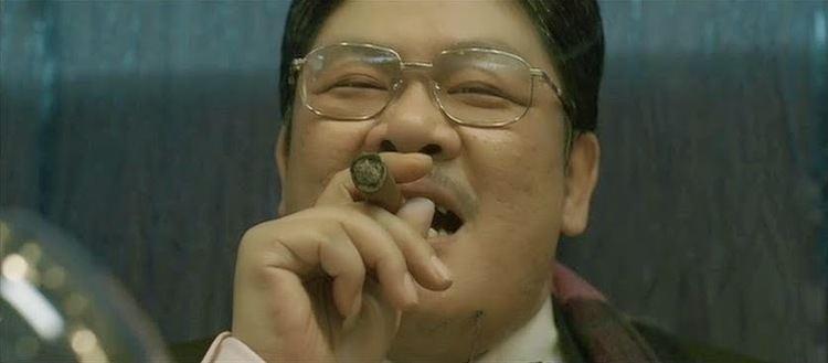 Lam Suet Chopsticks On Fire News Desk Lam Suets Mole Hair Achieves