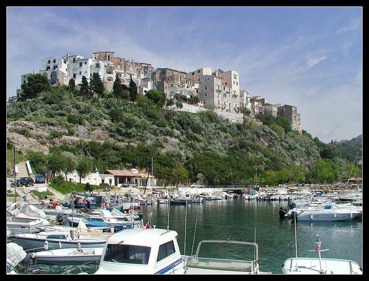Latina, Lazio On top a photo from Latina Lazio TrekEarth