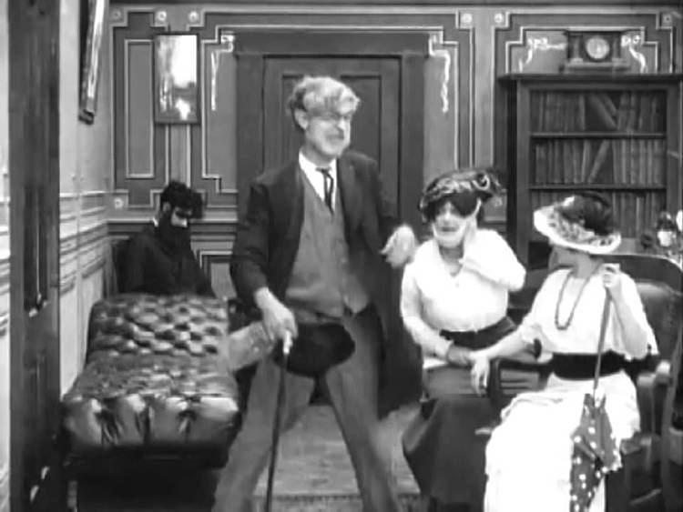 Laughing Gas (1914 film) Laughing Gas 1914 CHARLIE CHAPLIN Mack Sennett YouTube
