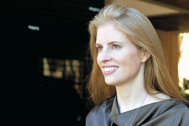 Laura Arrillaga-Andreessen Wealthy Donor Puts Spotlight on Ordinary Donors The