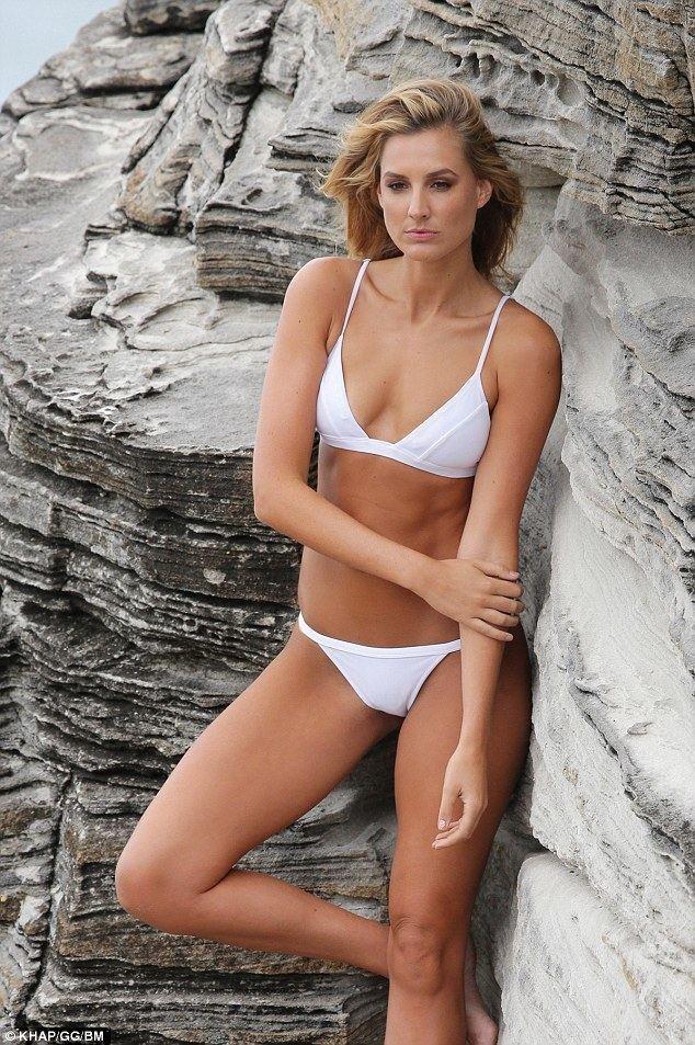Laura Dundovic Laura Dundovic shows off her incredible figure in bikini