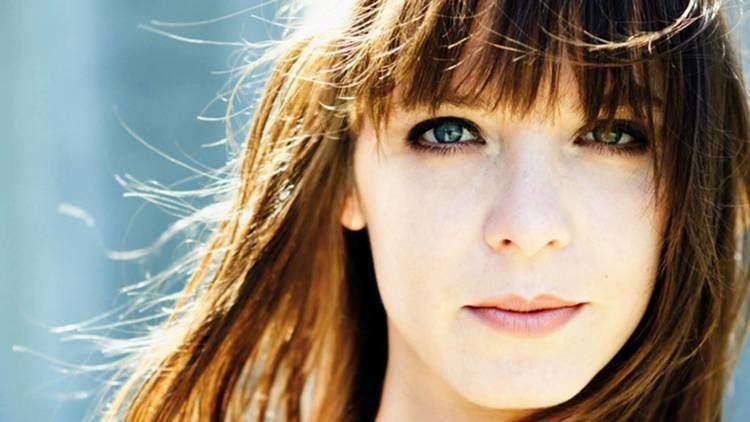 Laura Jansen Armin Van Buuren feat Laura Jansen Use Somebody HQ