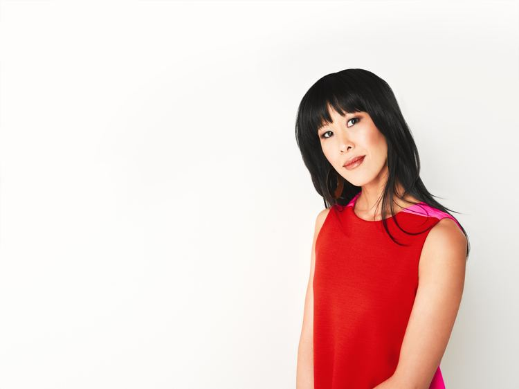 Laura Ling Lisa and Laura Ling To Receive Women39s Media Center Award