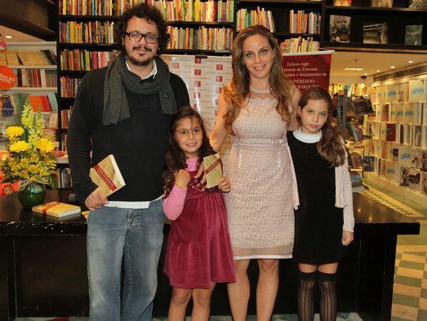 Laura Malin EGO NOTCIAS Marcelo Faria vai com a mulher a