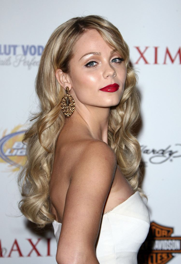 Laura Vandervoort Laura maxim party Laura Vandervoort Photo 12368534