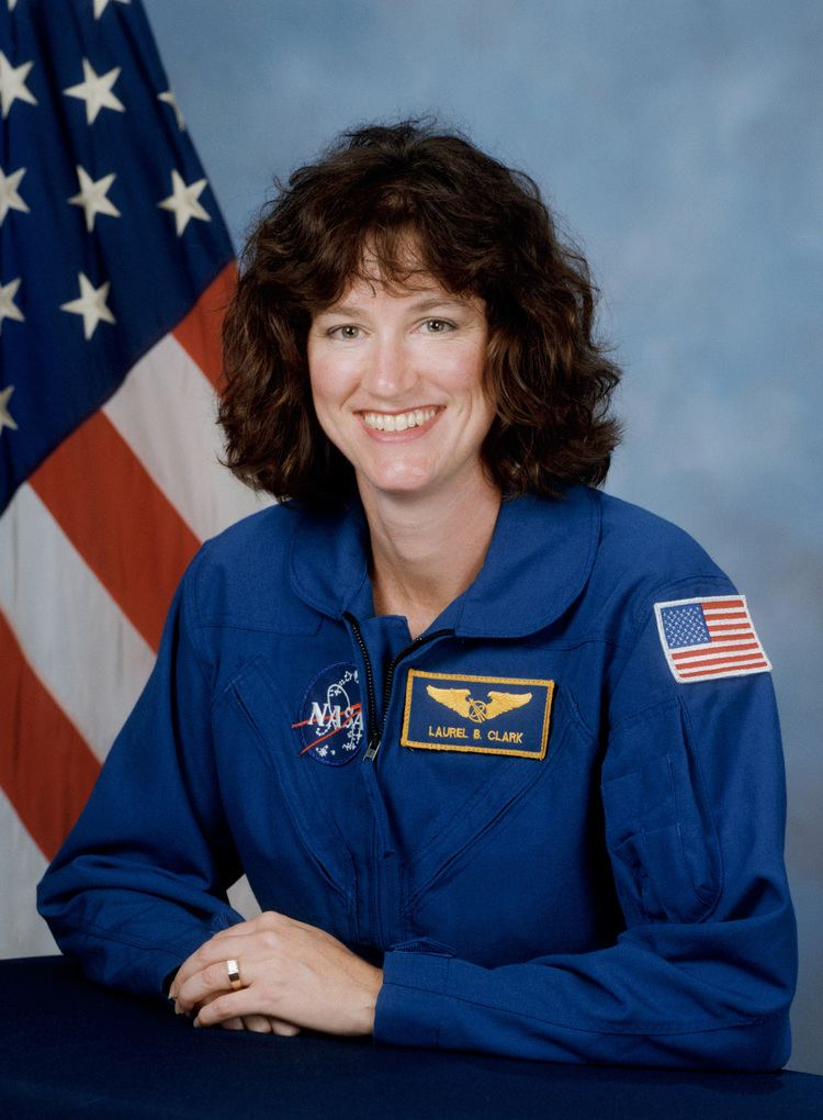 Laurel Clark FileLaurel Clark NASA photo portrait in blue suitjpg