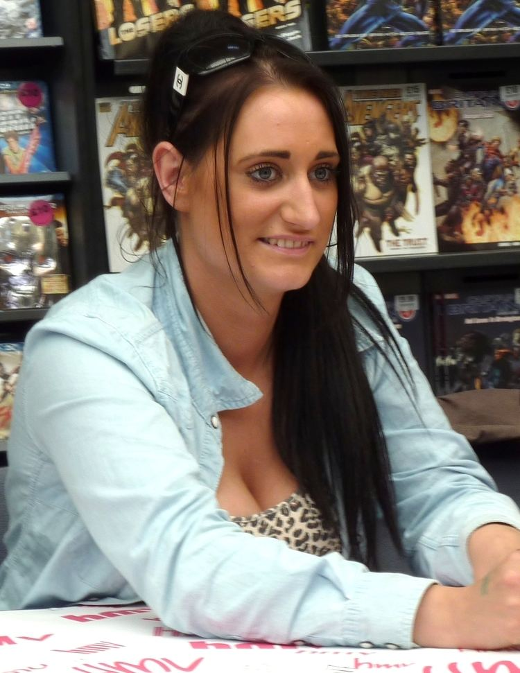 Lauren Socha httpsuploadwikimediaorgwikipediacommons66