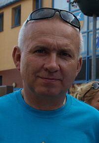 Lech Piasecki httpsuploadwikimediaorgwikipediacommonsthu