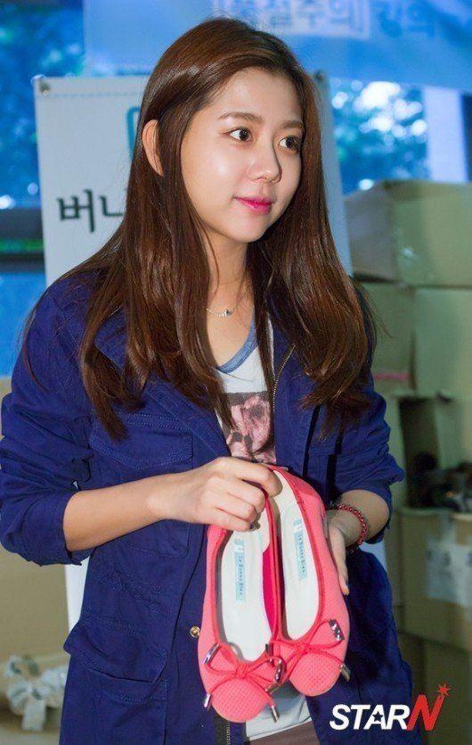 Lee Ah-jin wwwhancinemanetphotosfullsizephoto398808jpg