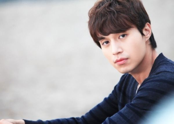 Lee Dong-wook Lee Dong Wook Reveals His Past Nickname on quotRoommatequot Soompi