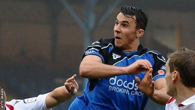 Lee Gregory (footballer) BBC Sport Lee Gregory Millwall sign FC Halifax Town striker