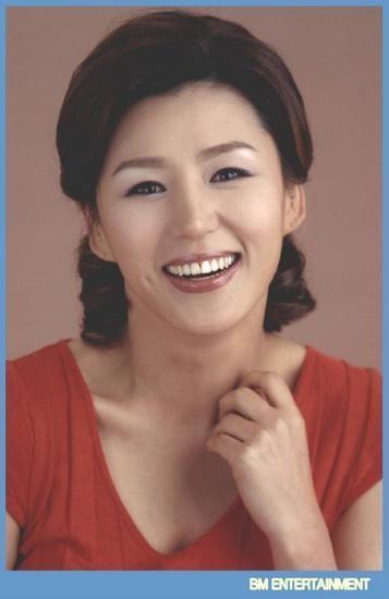 Lee Kan-hee wwwhancinemanetphotosphoto5389jpg