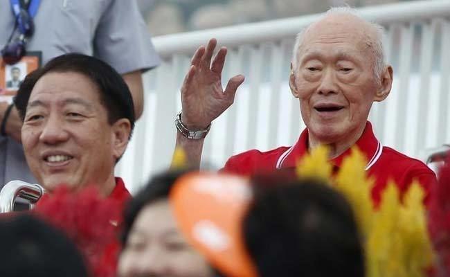 Lee Kuan Yew Founding Leader Lee Kuan Yew Worsens Critically Ill Says Government