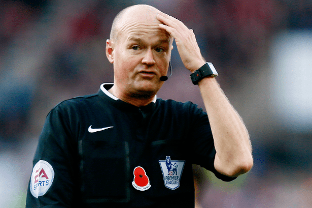 Lee Mason Lee Mason has given penalties in both his previous Everton