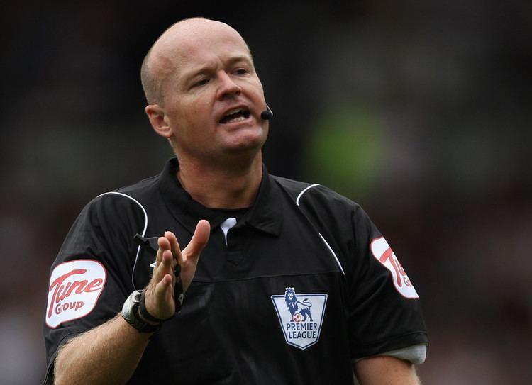 Lee Mason Lee Mason Photos Fulham v Aston Villa Premier League