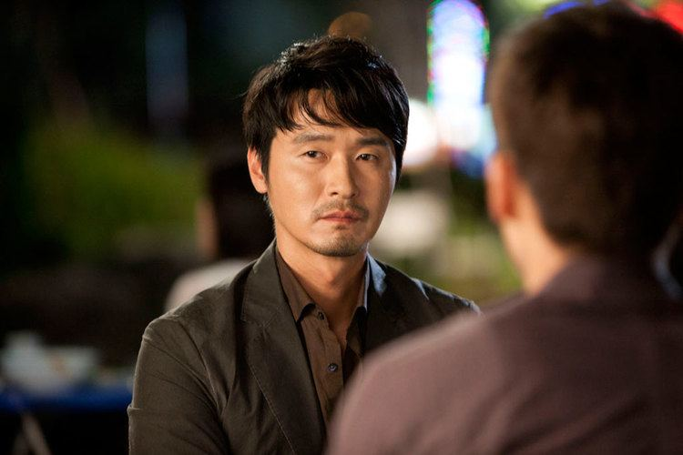 Lee Sung-jae Choi Siwon and Lee Sung Jae Have quotDrink Battlequot in
