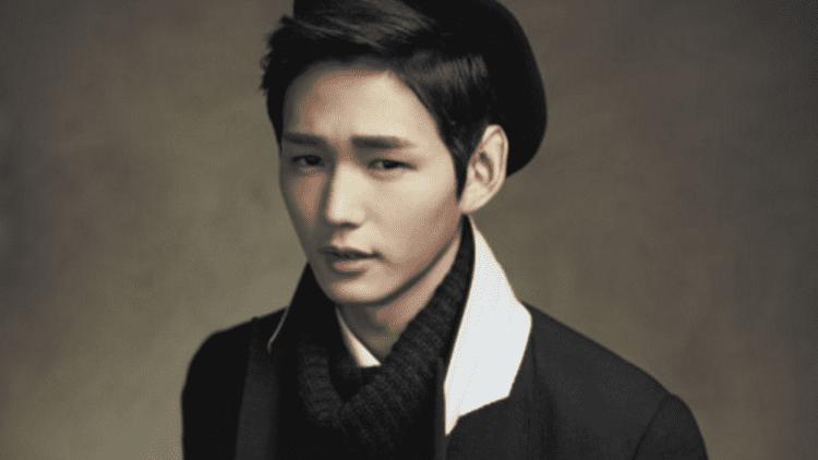 Lee Won-keun Meet the Rising Star With a MillionWatt Smile Lee Won