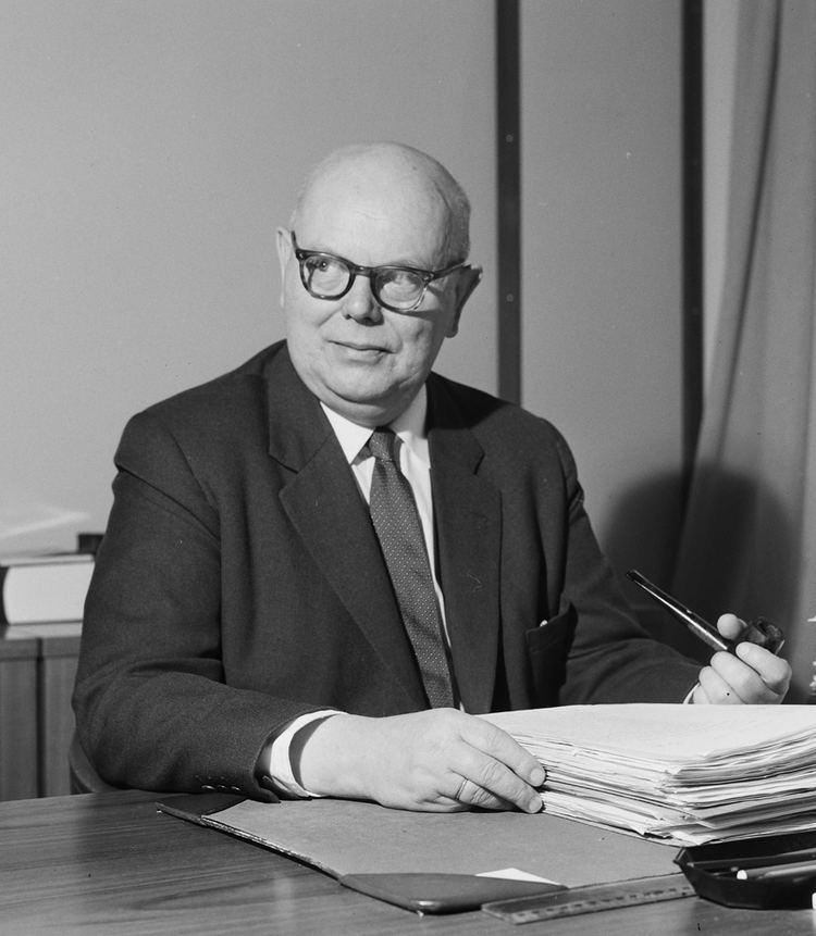Leif Larsen (politician)