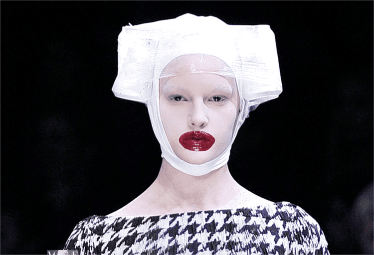 Leigh Bowery Leigh Bowery Vogueit