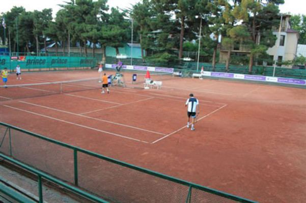 Leila Meskhi 6 Open courts clay and 2 closed courts ta Leila Meskhi Tennis