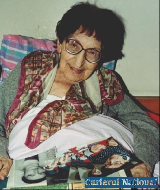 Lena Constante La 95 de ani Lena Constante inca lucreaza pentru a