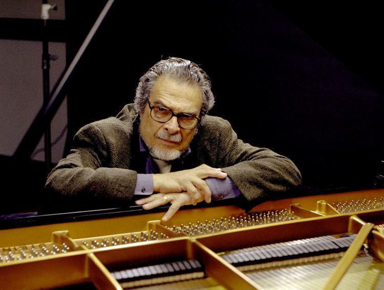 Leon Fleisher From Two Hands to Ten A ReviewInterview with Leon
