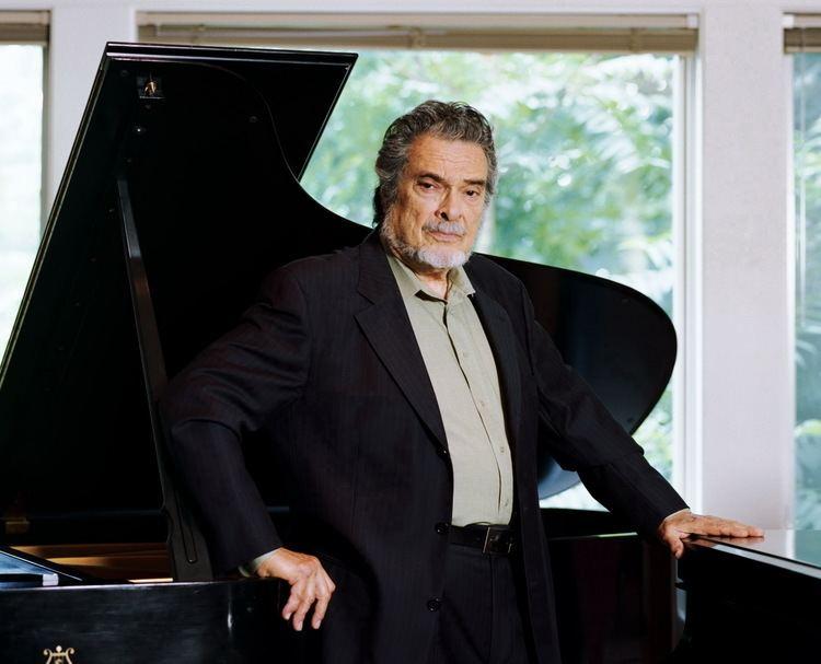 Leon Fleisher Pianist Leon Fleisher and His Nine Lives Season Ticket
