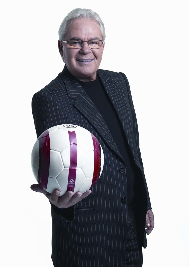 Les Murray (broadcaster) Affinity Intercultural Foundation Affinity Lecture