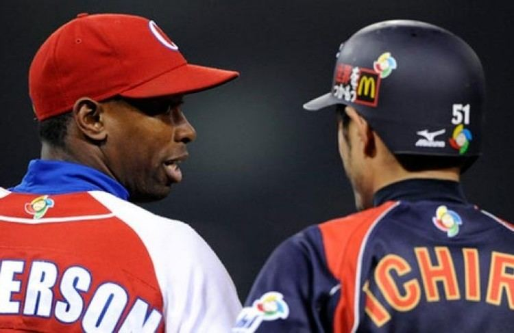 Leslie Anderson Cuban Leslie Anderson signs with the Yomiuri Giants OnCuba
