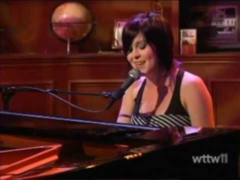 Leslie Hunt Leslie Hunt on WTTW39s Chicago Tonight wPhil Ponce YouTube