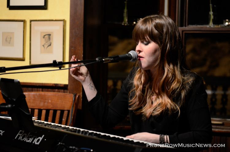 Leslie Hunt Siebslie at Town House Books and Cafe Saint Charles IL