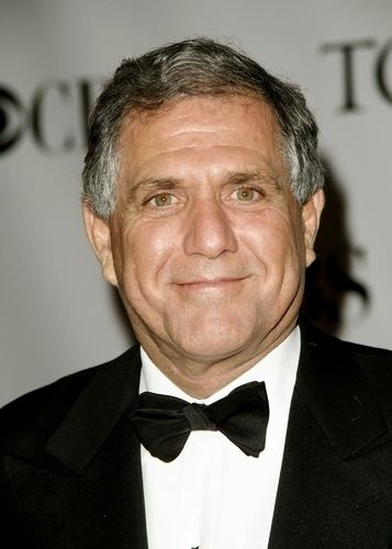 Leslie Moonves Les Moonves Unloads 221M Of CBS Stock As Part Of Estate