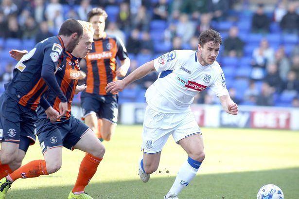 Liam Ridehalgh Former Huddersfield Town leftback Liam Ridehalgh to stay at