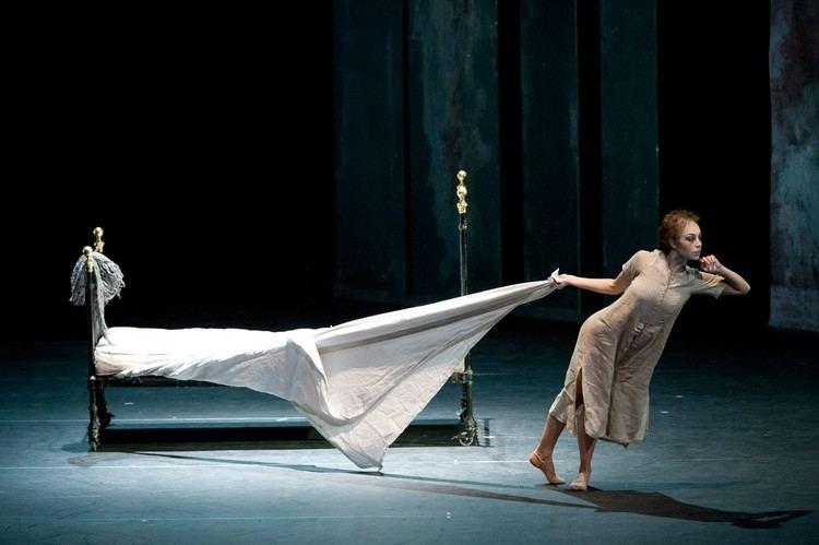 Liam Scarlett Liam Scarlett rehearses Sweet Violets Royal Ballet LIVE
